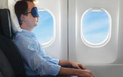 11 Tipps für den gesunden Schlaf im Flugzeug